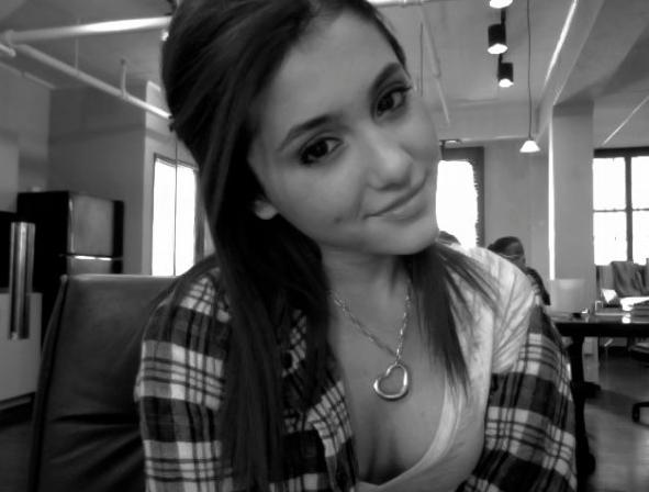 Ariana12
